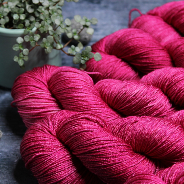 SILK MERINO - HOT PINK