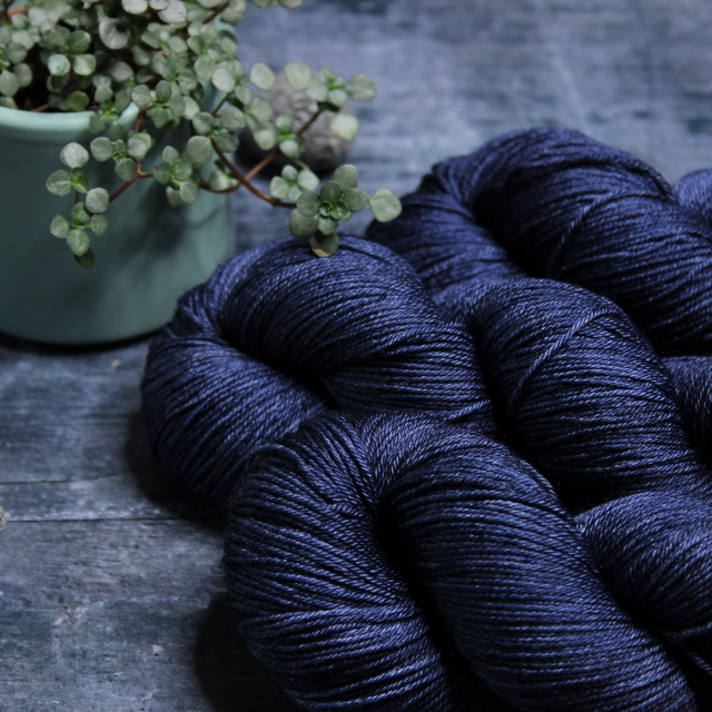 SILK MERINO - NAVY
